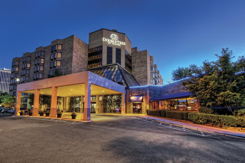DoubleTree Downtown Hotel 9*