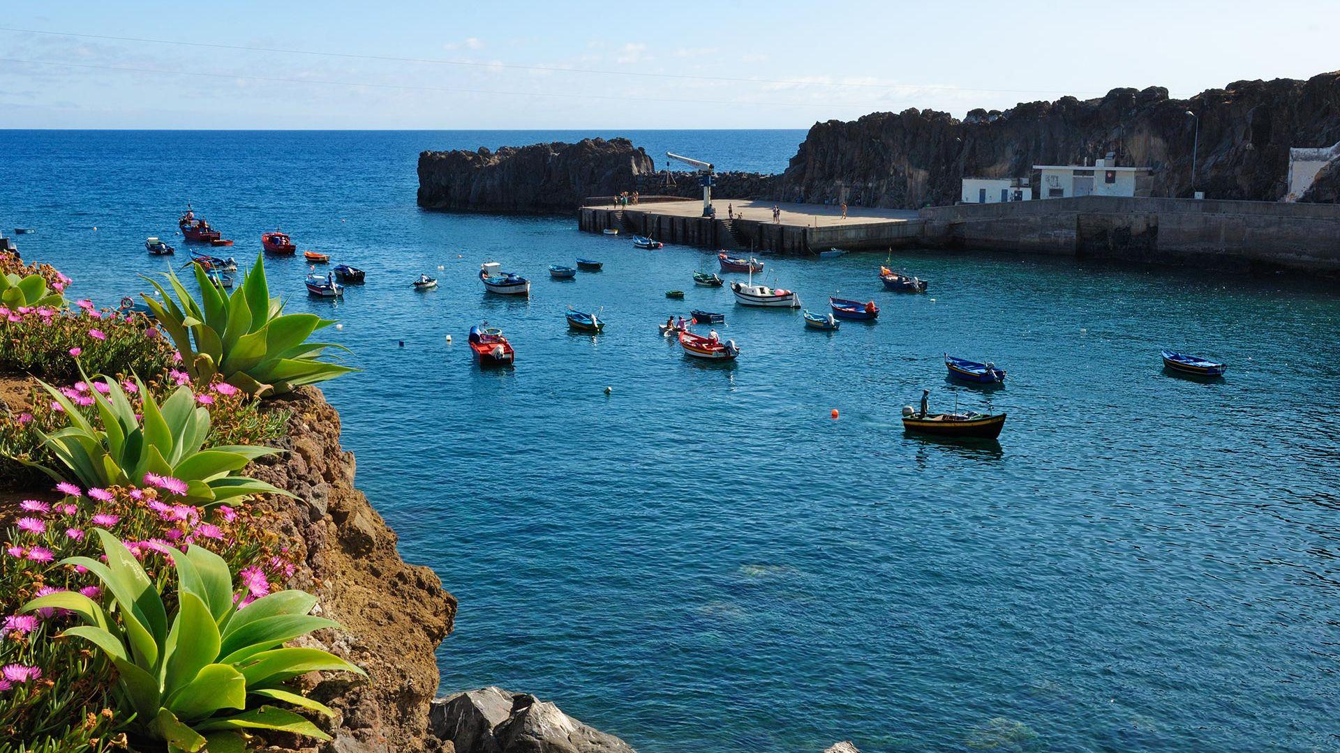 Best Deal TravelHubX - Sejur Casa da Belita Three Bedroom Villa Sea View Madeira, 8 zile - 11 septembrie 2021