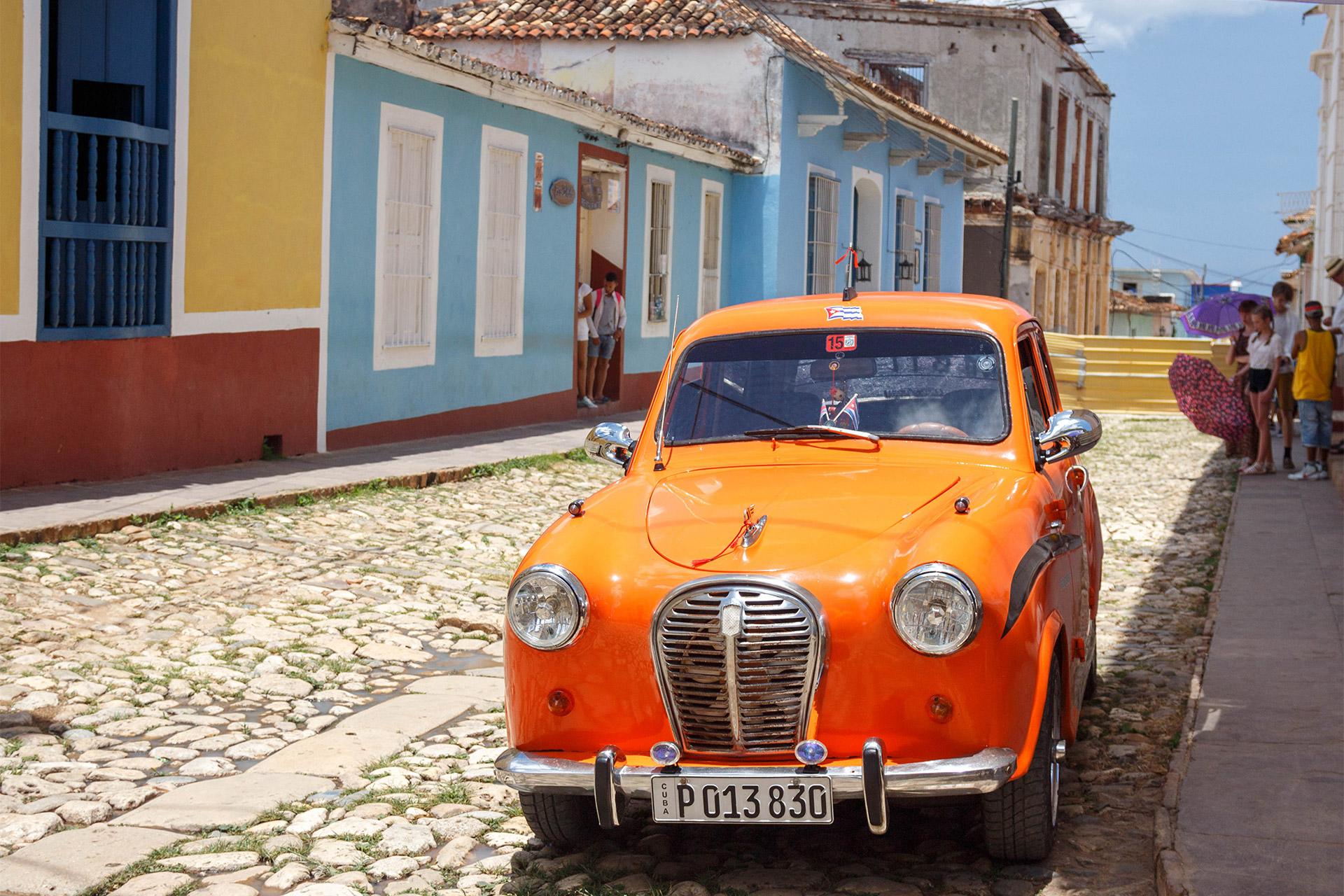 Hemingway, Salsa & Beach in Cuba